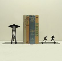 https://www.etsy.com/se-en/listing/93673592/ufo-abduction-metal-art-bookends-free?ref=sr_gallery_12&ga_search_query=book+ends&ga_order=date_desc&ga_page=2&ga_search_type=all&ga_view_type=gallery